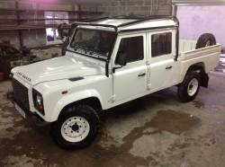 ROLL CAGE FOR A LAND ROVER DOUBLE CAB 130 DEFENDER